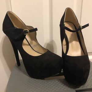 Just Fab black heels size 7